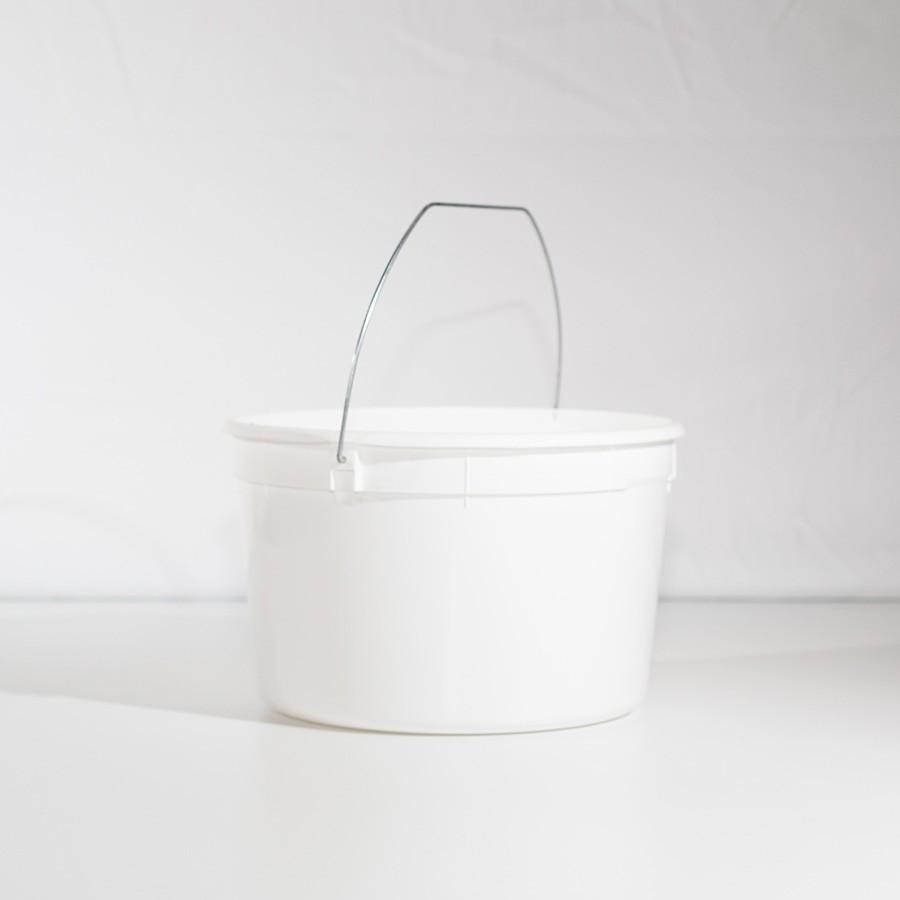 4 Quart U-Pick Plastic Pail - Wire Handle