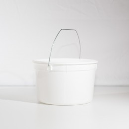 4 Quart U-Pick Plastic Pail - Wire Handle